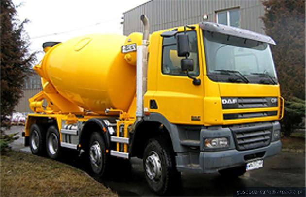 Wśród firm przeznaczonych do sprzedaży jest Fabryka Maszyn w Leżajsku, producent m.in. nadwozi betonomieszarek, fot. www.fml.com.pl