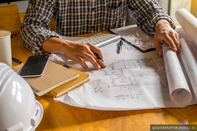 Zmiany ustawy o PIT. Więcej zapłacą m.in. projektanci budowlani i tłumacze