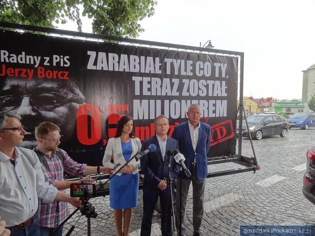 """Platforma Obywatelska kontynuuje """"lawetową"""" akcję"""