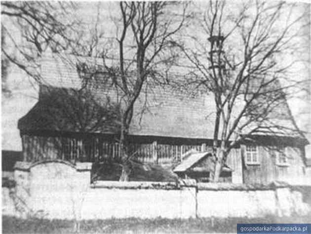 Parafialny kościół rzymskokatolicki św. Sebastiana i św. Marii Magdaleny w Sarzynie, fot. pocz. XX w.