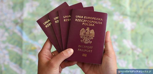 Nowe wzory polskich paszportów od 5 listopada