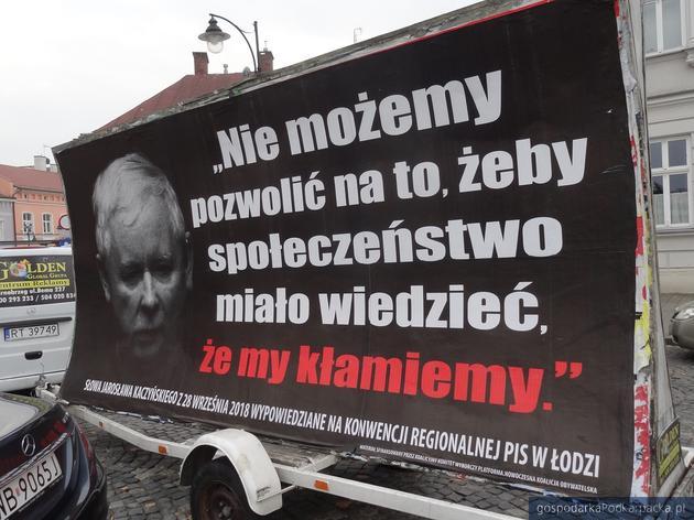 """Akcja billboardowa Platformy: """"Kłamstwa Morawieckiego -  kolejny Konwój Wstydu"""""""