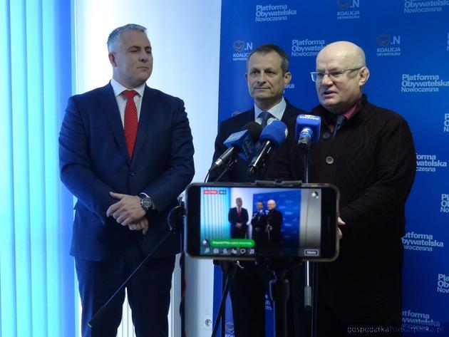 Od lewej Piotr Tomański, Zdzisław Gawlik i Andrzej Szlęzak. Fot. Adam Cyło