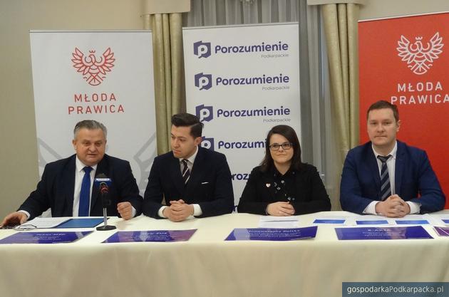 Od lewej Stanisław Kruczek, Jan Strzeżek, Justyna Łotocka i Waldemar Kotula. Fot. Adam Cyło