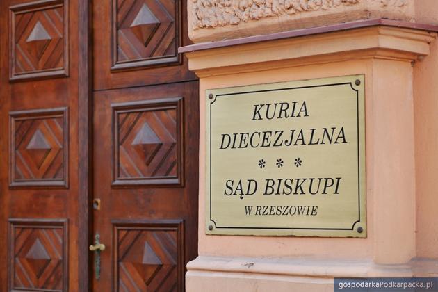 """Rzeszowska Kuria w sprawie odwołania spektaklu #chybanieja w Teatrze """"Maska"""""""