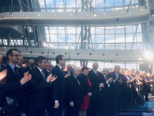Jarosław Kaczyński i Mateusz Morawiecki na konwencji PiS w Jasionce pod Rzeszowem
