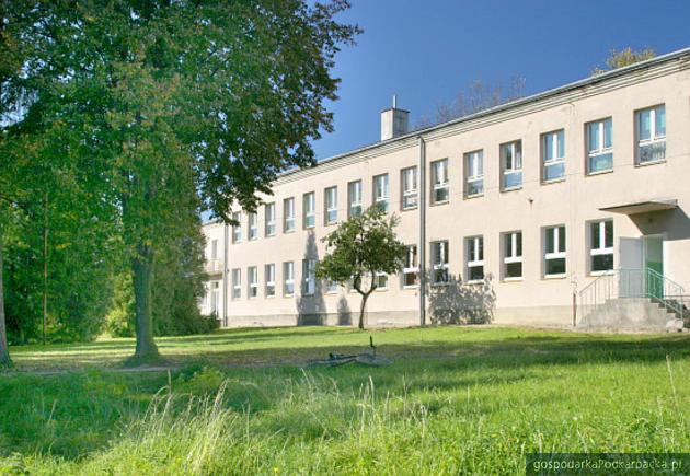 Przy szkole podstawowej w Kielnarowej powstanie sala gimnastyczna
