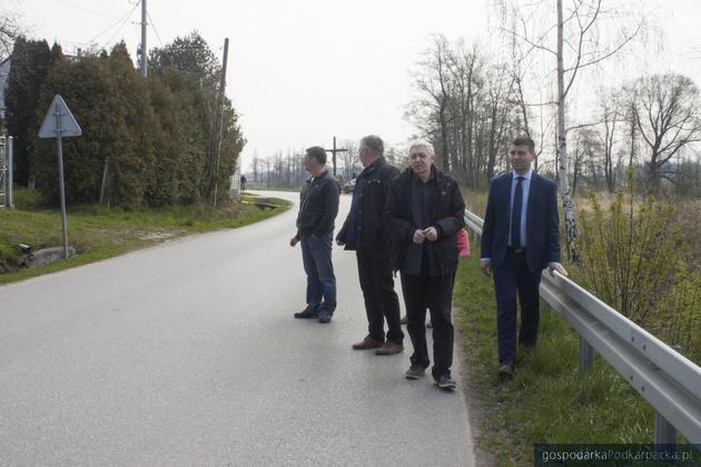 Podpisanie umowy na budowę chodników w Kraczkowej