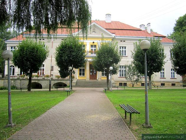 Pałac Stawiarskich w Jedliczu. Fot. Wikimedia/Commons