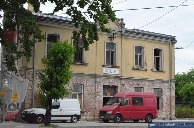 """Trwa renowacja budynku """"Sokoła"""" w Rozwadowie"""