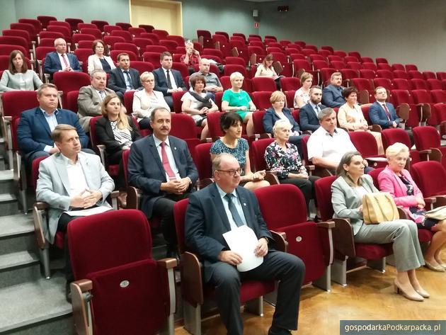 """""""Uniwersytet Samorządności"""" - szkolenia i edukacyjne inicjatywy na podkarpackiej wsi"""