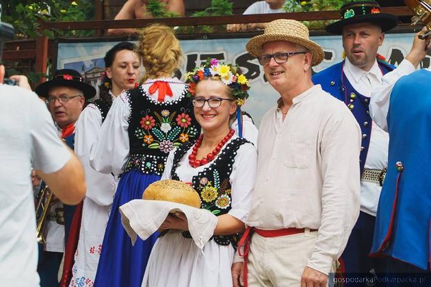 Święto chleba w Ustrzykach Dolnych. Fot. mlynbieszczady.pl