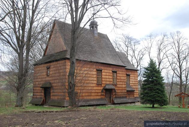 Bachórzec: drewniany kościół po konserwacji