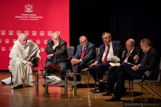 """Druga debata """"W labiryncie świata"""" w Rzeszowie - relacja"""