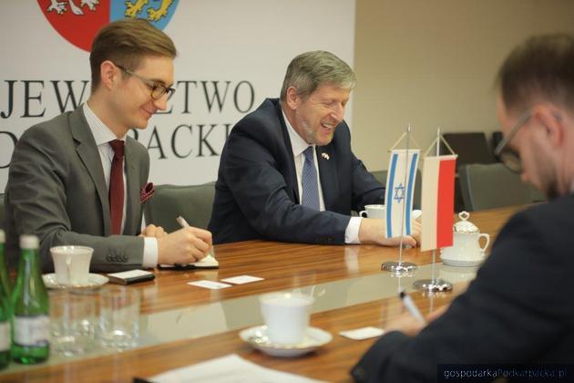 Ambasador Alexander Ben Zvi w Urzędzie Marszałkowskim. Fot. Michał Mielniczuk