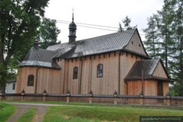 Kościół w Humniskach. Fot. brzozow.pl