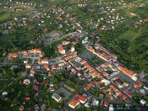 Leżajsk z widoku ptaka. Fot. miastolezajsk.pl