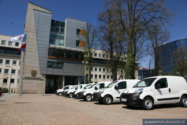 Wojewódzka Stacja Sanitarno-Epidemiologiczna w Rzeszowie ma 7 nowych samochodów (