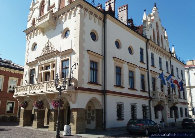 Sesje rzeszowskiej Rady Miasta będą tłumaczone na język migowy