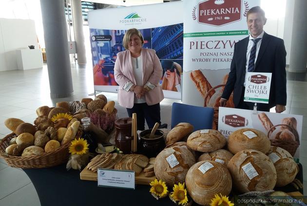Piekarnia w Sędziszowie Małopolskim zaprezentowała chleb swojski