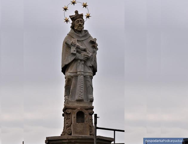 Czudecka figura św. Jana Nepomucena z XVIII w. już po renowacji