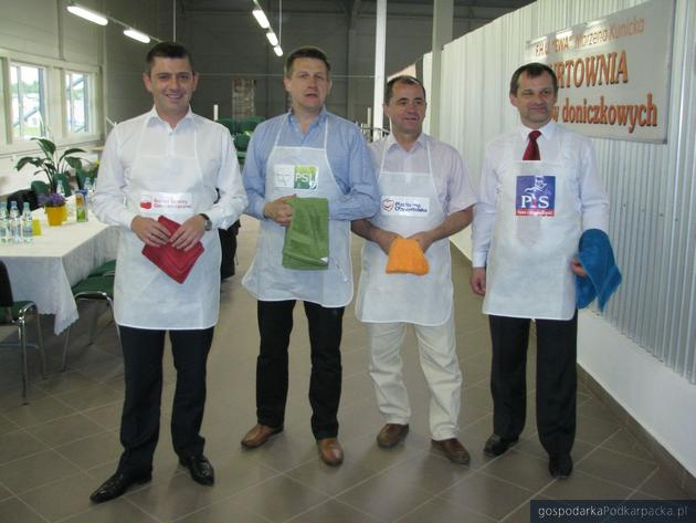 Od lewej Tomasz Kamiński, Jan Bury, Zbigniew Rynasiewicz i Jerzy Cypryś przed pojedynkiem. Fot. Adam Cyło