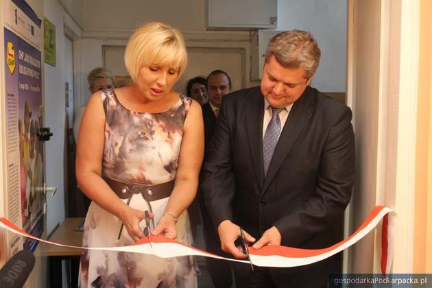 Ośrodek otwierali komendant OHP w Rzeszowie Magdalena Andrzejak-Klecha oraz prezydent Norbert Mastalerz. Fot. Dariusz Bajor
