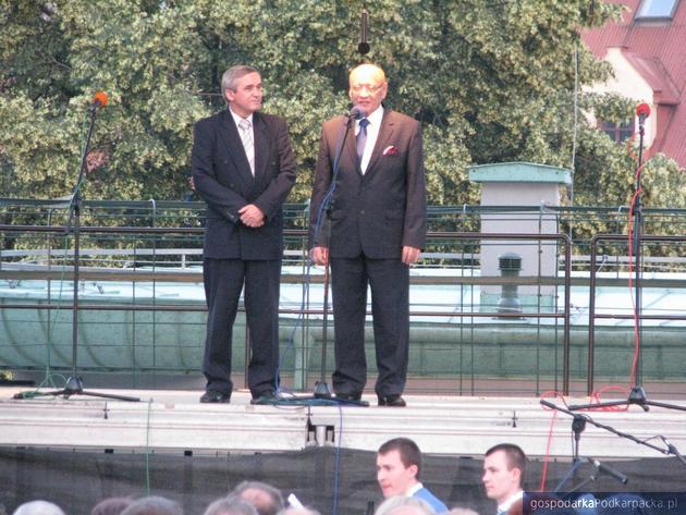 Od lewej wicemarszałek Jan Burek i prezydent Tadeusz Ferenc