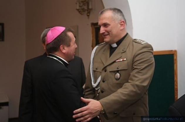 Pierwszy z prawej ks. płk Robert Mokrzycki. fot. Ordynariat Polowy